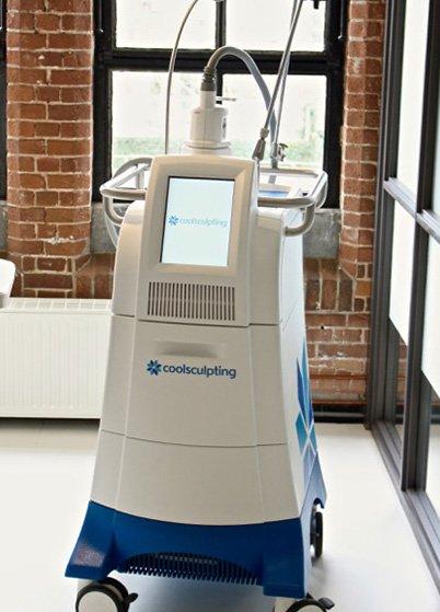 Coonen kliniek werkt met de echte CoolSculpting-apparatuur